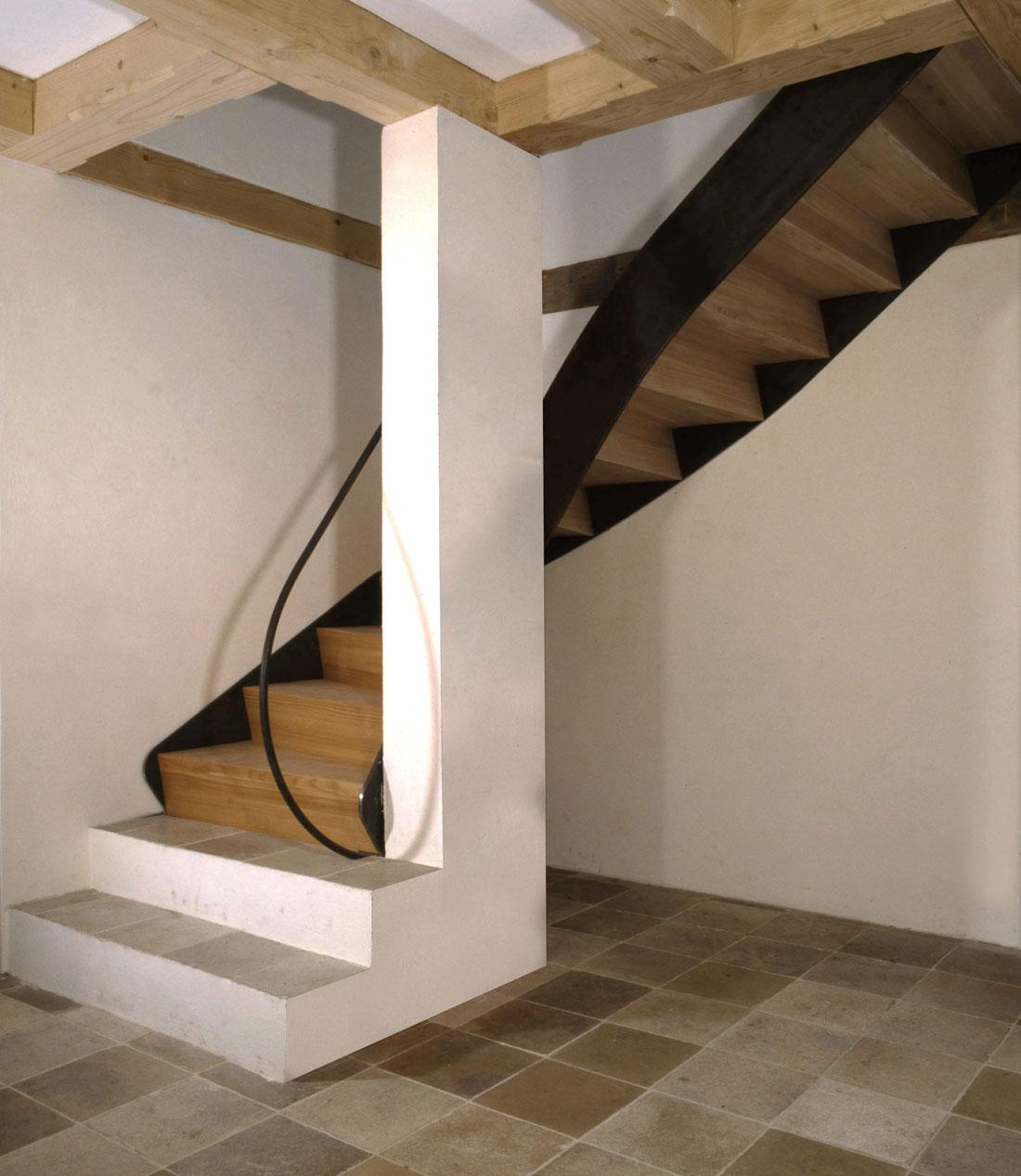 Gabriele Riesner, Architektin, Antwort/Chiemgau, Scheunenausbau, Treppe Erdgeschoss