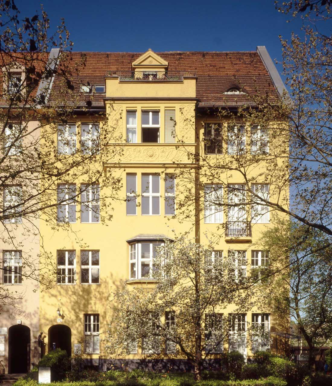 Gabriele Riesner, Architektin, Berlin-Wilmersdorf, Restaurierung/Modernisierung eines Mietshauses, Fassadenansicht
