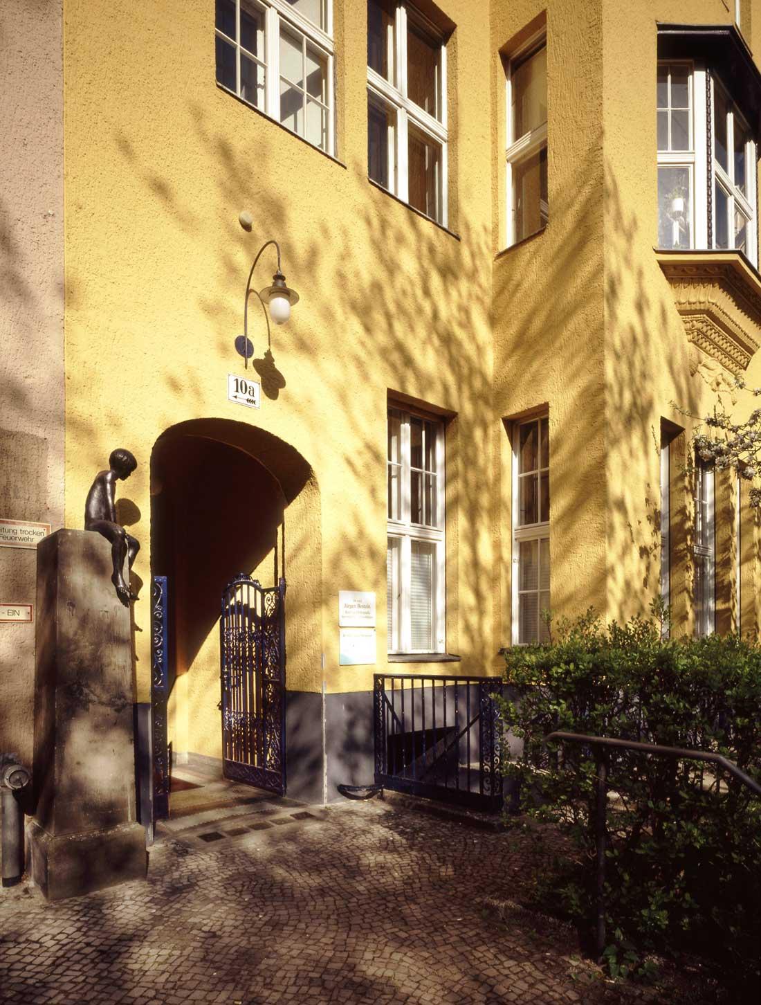 Gabriele Riesner, Architektin, Berlin-Wilmersdorf, Restaurierung/Modernisierung eines Mietshauses, Eingangsbereich