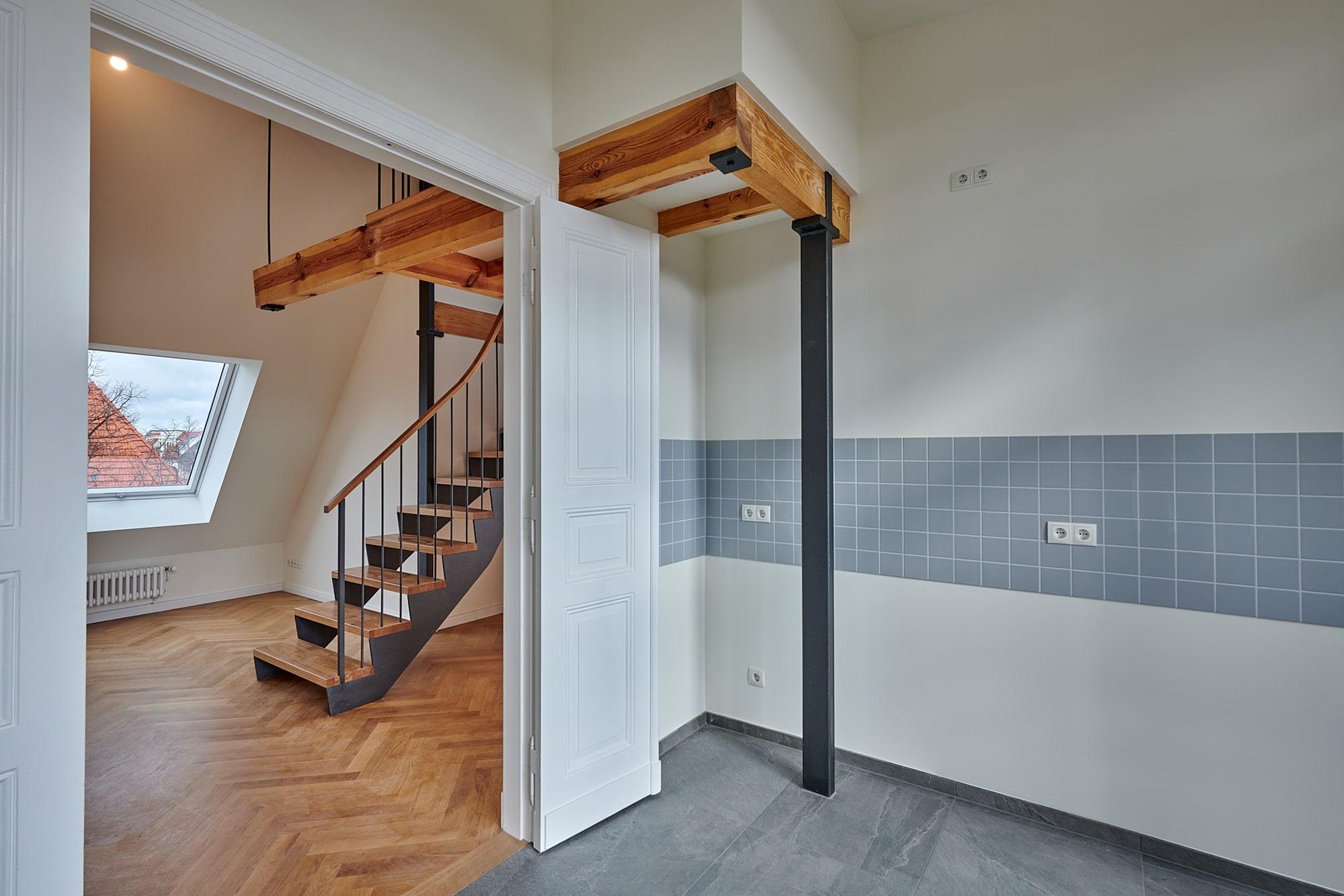 Gabriele Riesner, Architektin, Berlin, Dachgeschossausbau eines Mietshauses in Berlin-Steglitz, Küche/Wohnraum