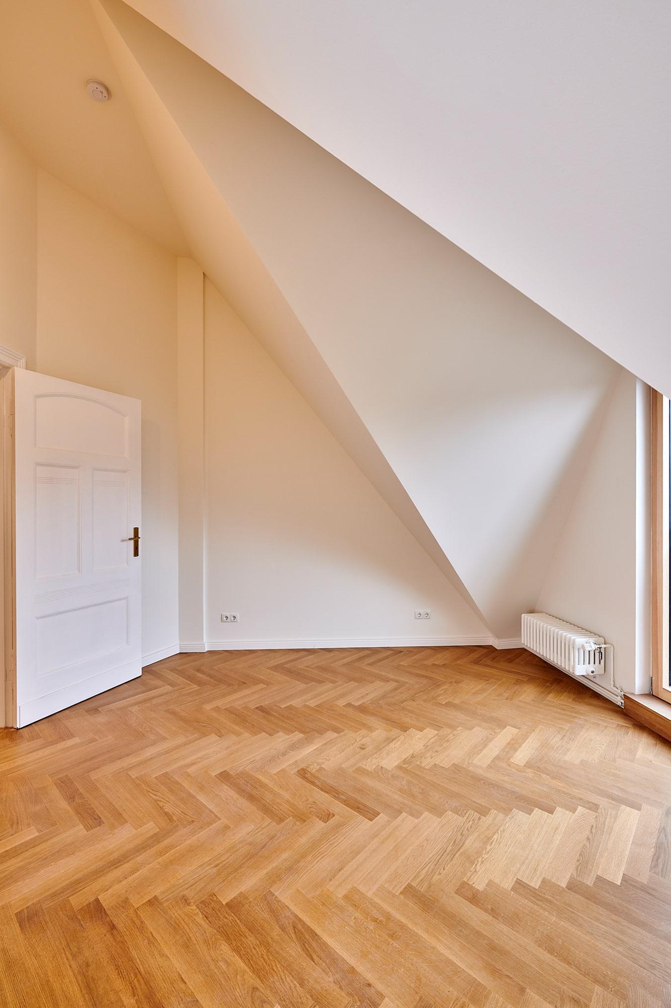 Gabriele Riesner, Architektin, Berlin, Dachgeschossausbau eines Mietshauses in Berlin-Steglitz, Frontspießzimmer 2