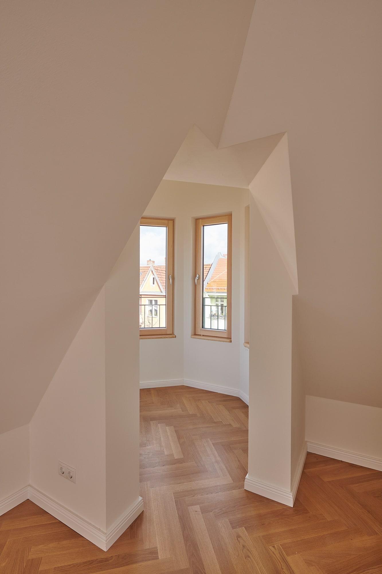 Gabriele Riesner, Architektin, Berlin, Dachgeschossausbau eines Mietshauses in Berlin-Steglitz, Turmeingang