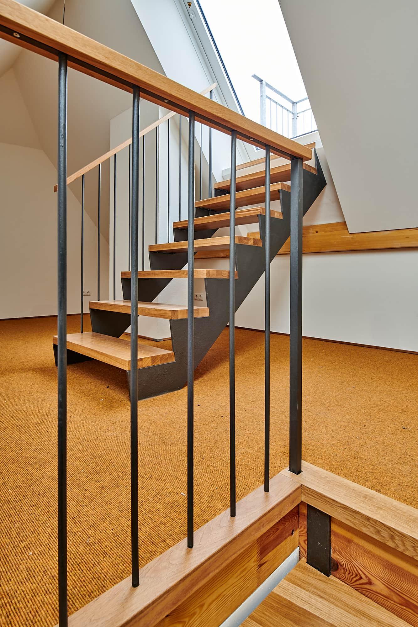 Gabriele Riesner, Architektin, Berlin, Dachgeschossausbau eines Mietshauses in Berlin-Steglitz, Treppe zur Dachterrasse